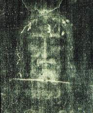 The Face of the man of the Shroud. This photograph is in fact a photo negative in black and white of the Shroud. The impression of reality which emerges from it is absolutely startling and was one of the causes that incited so many scholars to turn their attention to the Shroud